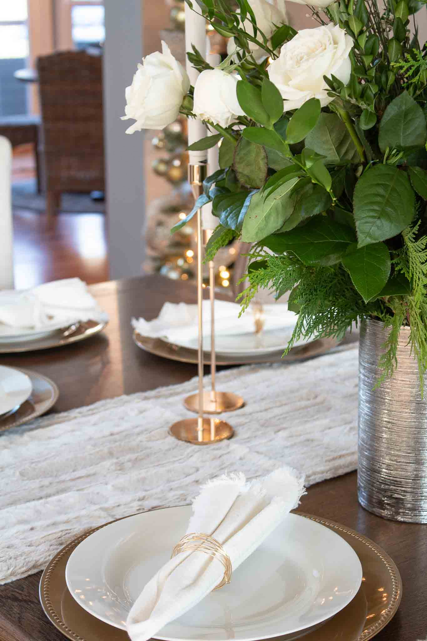 9 Ideas for Budget Holiday Décor – Our Christmas Dining Room Reveal