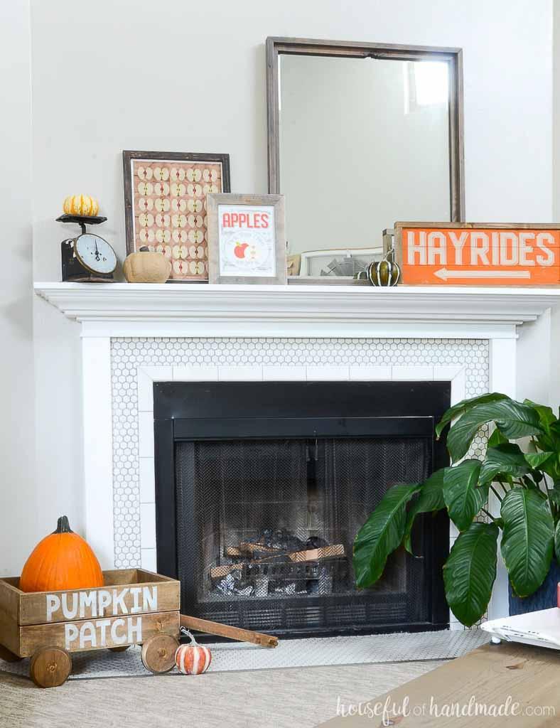simple fall mantel decorating