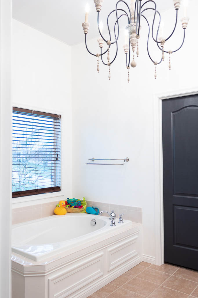 how to make a master bathroom look expensive