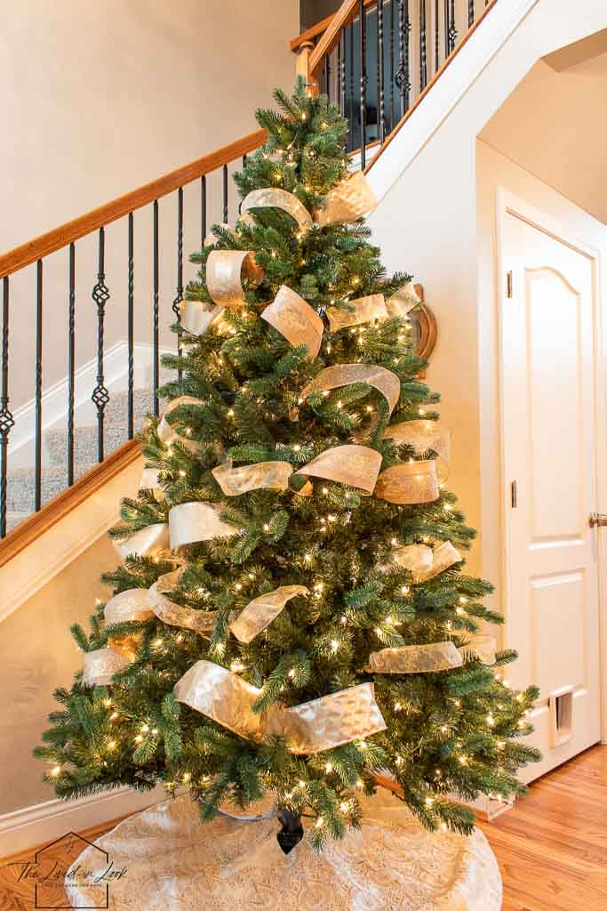 How To Decorate A Christmas Tree Like A Designer The Lived In Look
