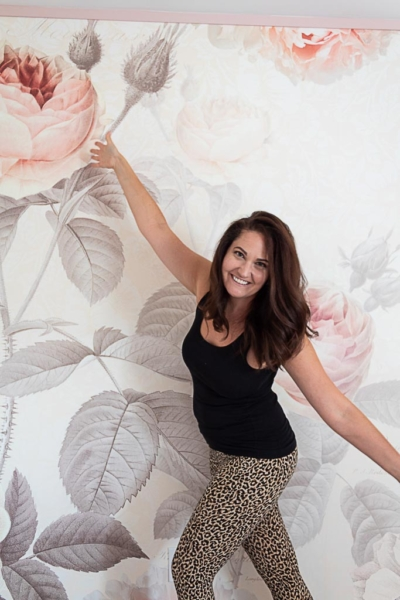Installing Wallpaper Yourself: 11 Tips For Hanging Wallpaper Without Losing Your Mind