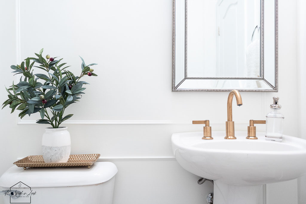 hot to mix metals in a bathroom
